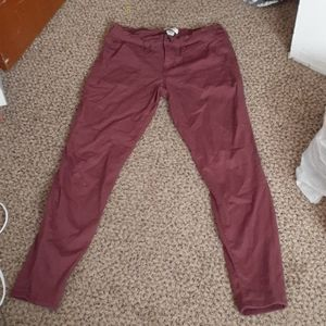 Womens skinny red capris